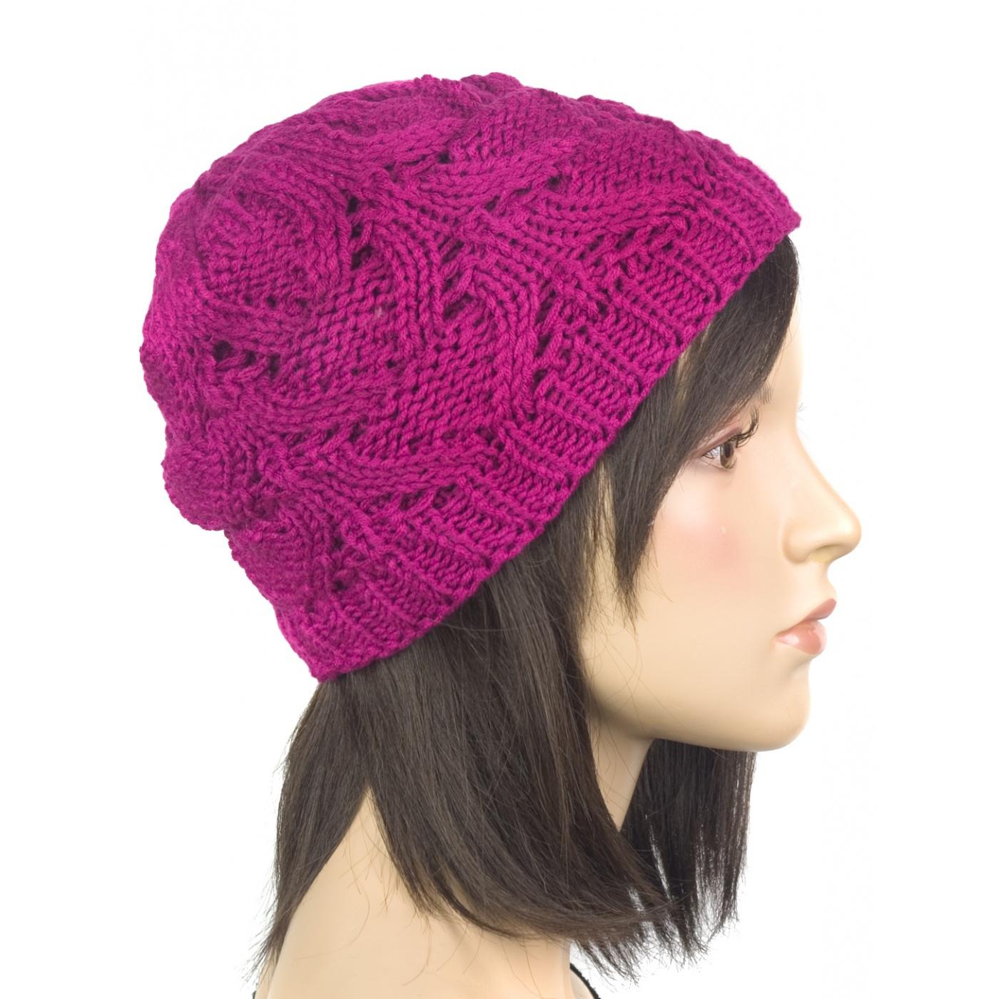 Klasyczna zimowa czapka damska z ażurowym splotem: amarantowa
