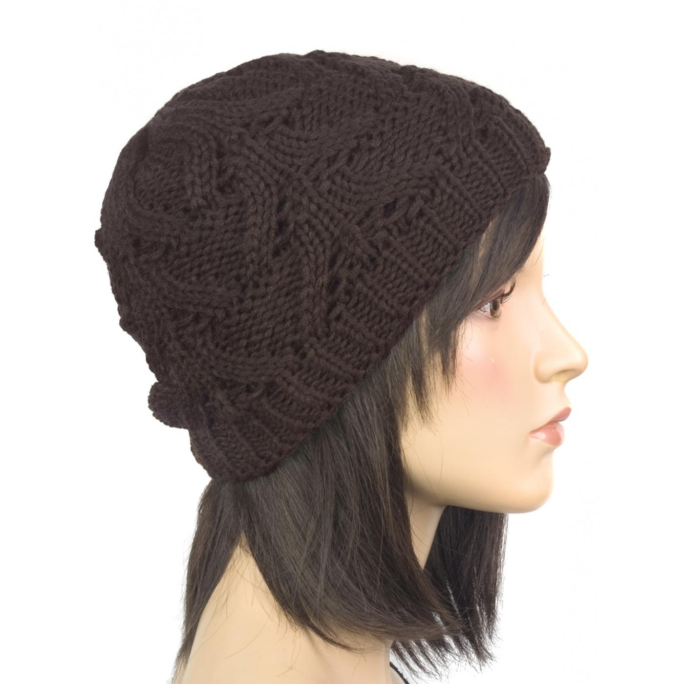 Klasyczna zimowa czapka damska z ażurowym splotem: czekoladowa