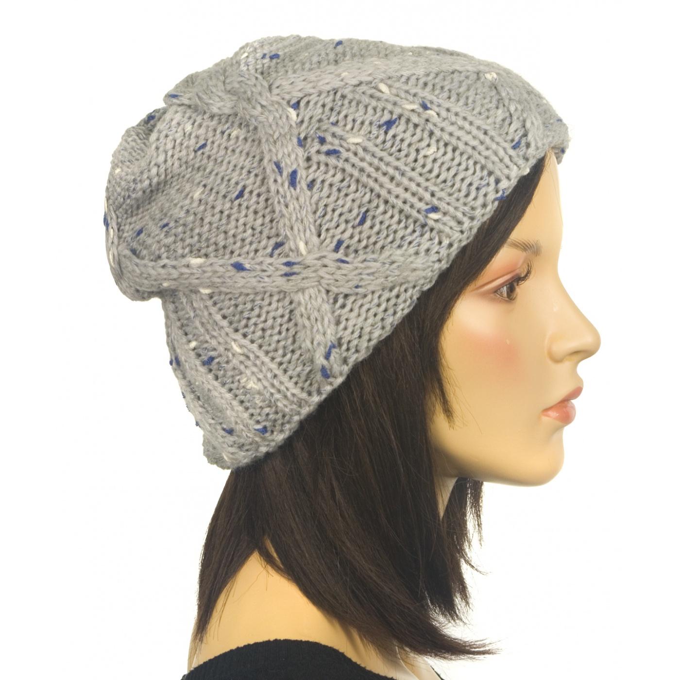 Ciepła czapka damska - popielata z akcentami niebieskiego