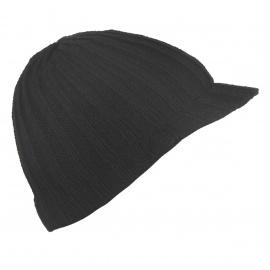 Męska czapka zimowa z daszkiem – czarna w prążki