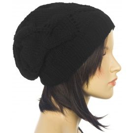 Ażurowa czapka zimowa – czarna
