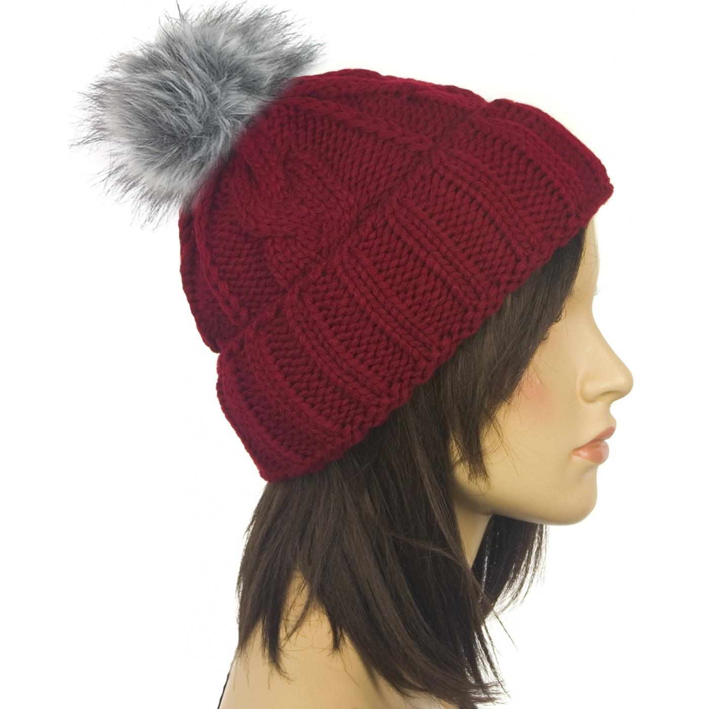 Damska czapka zimowa z pomponem bordowa