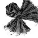 Szalik w paski – odcienie szarości
