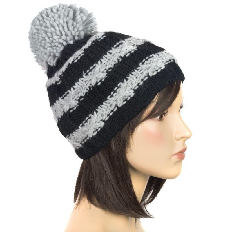 Modna czapka zimowa z dużym pomponem (6)