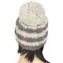 Modna czapka zimowa z dużym pomponem (4)