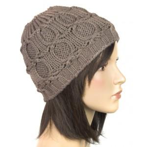 Klasyczna damska czapka zimowa w kolorze cappuccino - sklep internetowy DQstore.pl