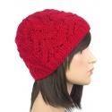 Klasyczna zimowa czapka damska z ażurowym splotem: czerwona