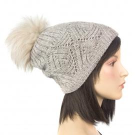 Ciepła damska czapka zimowa Karo z pomponem z futerka - beżowa