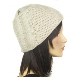 Damska czapka zimowa z niteczką - owczy beż