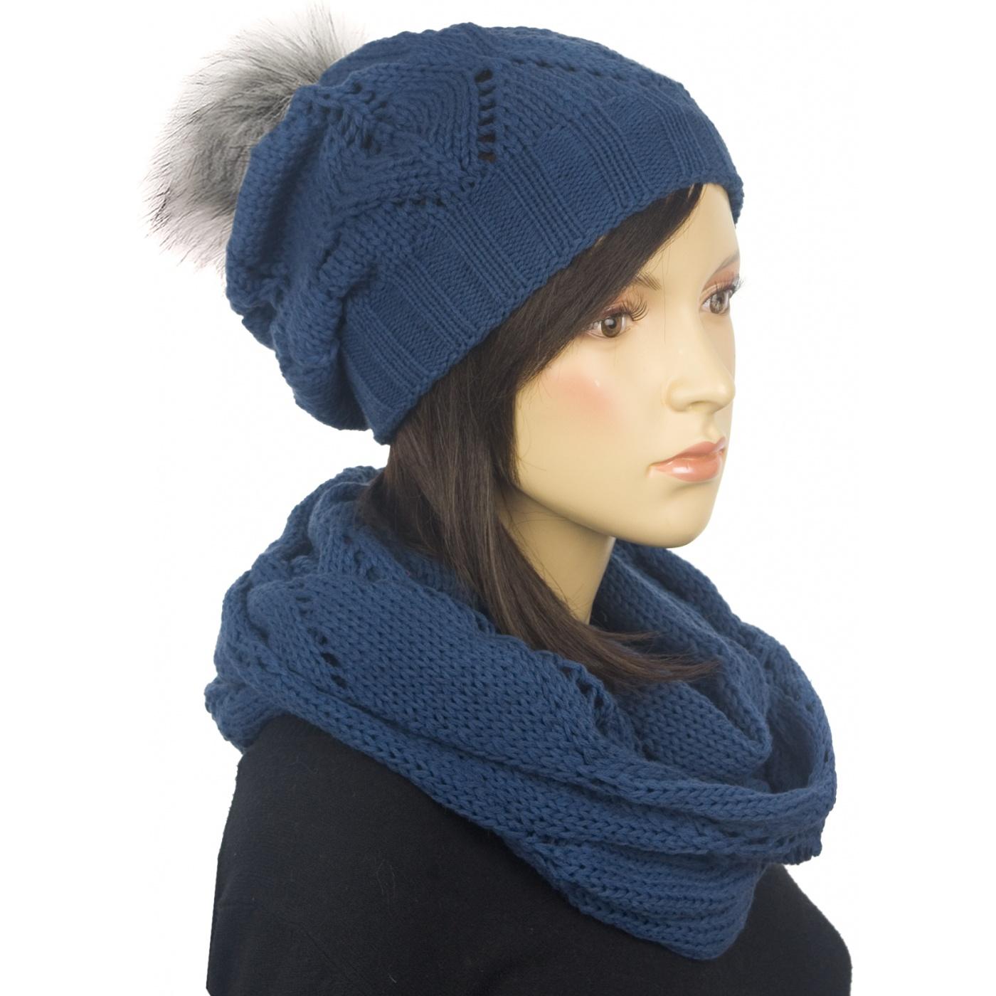 Ażurowy komplet czapka z pomponem i komin - niebieski