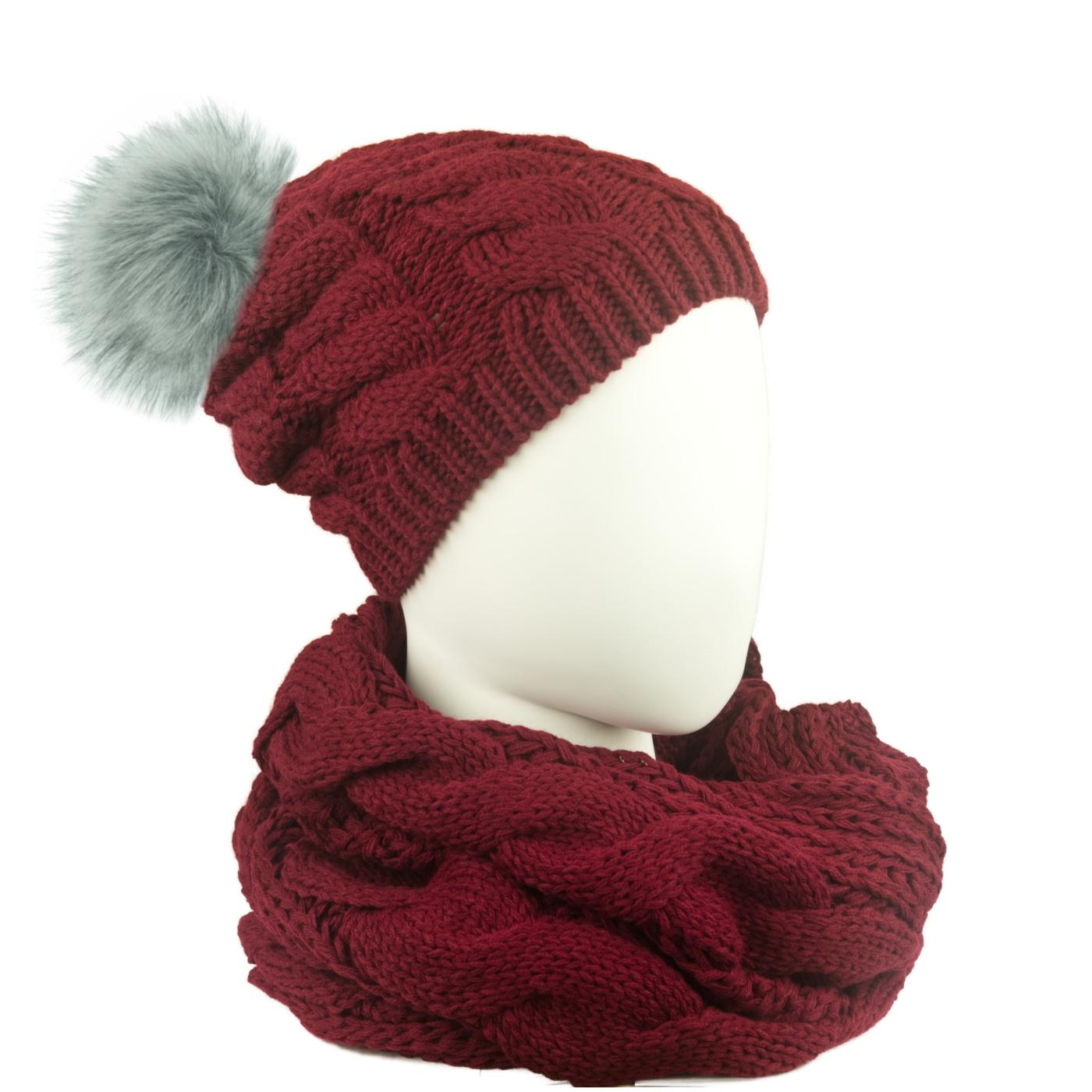 Komplet w warkocze czapka z pomponem i szalik komin: bordowy