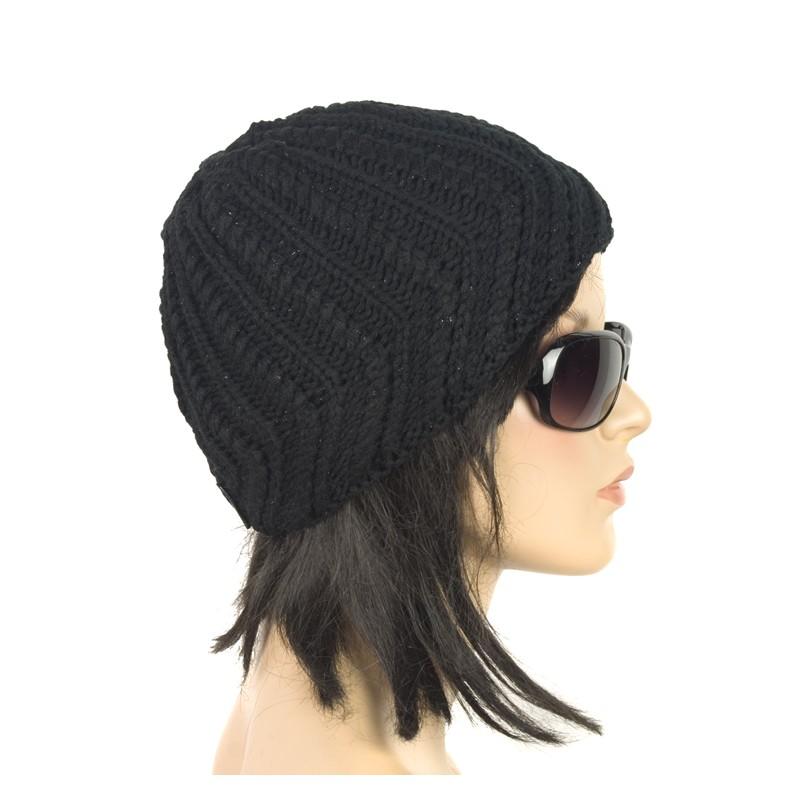 Ciepła damska czapka zimowa – czarna